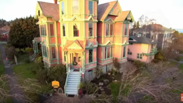 beautiful mansions with creepy stories