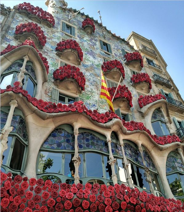 casa battlo barcelona events celebrated with flowers